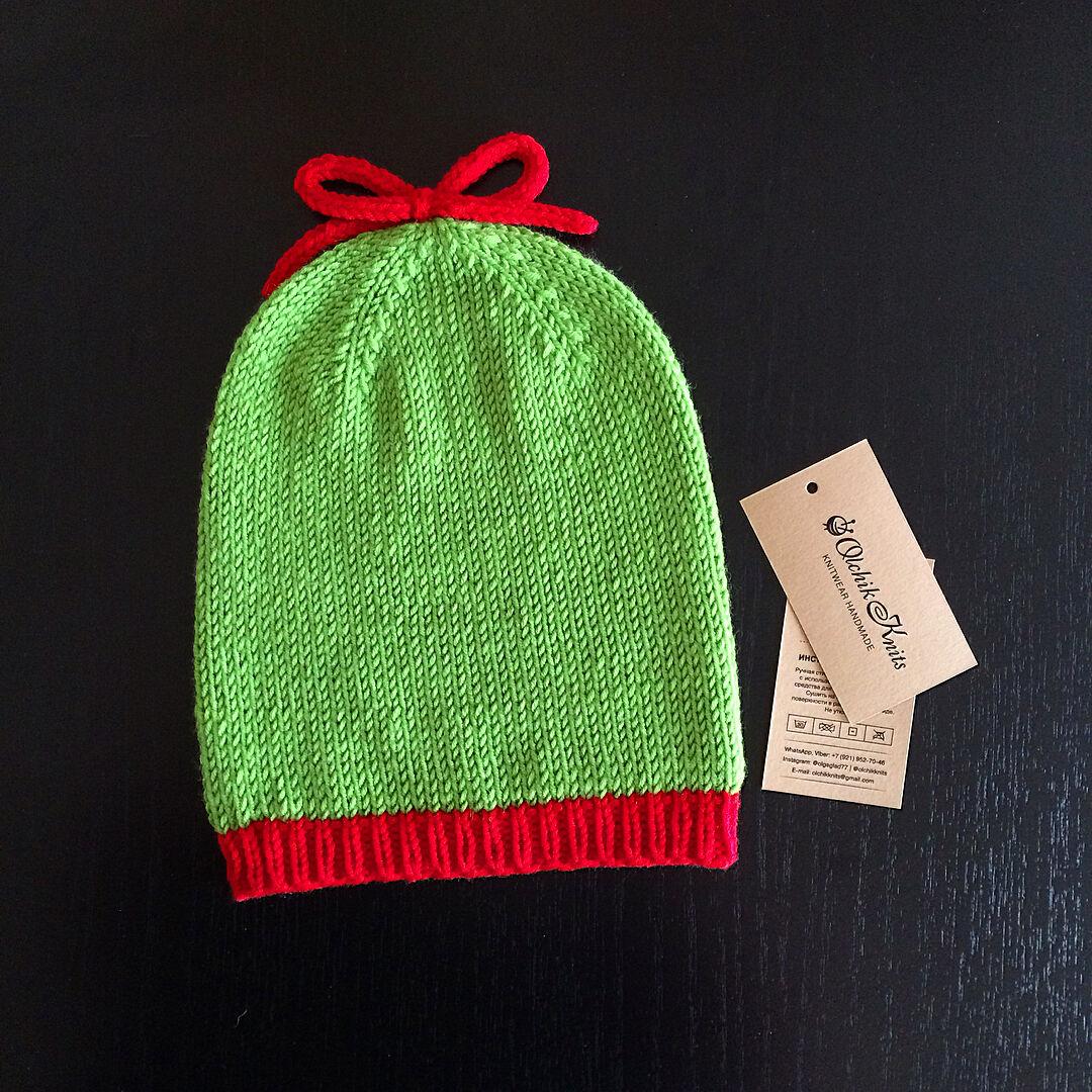 Яркая весенняя шапочка-бини