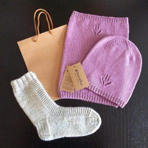 """Чудесный весенний комплект """"Гиацинт"""": вязаные шапка и снуд от @olchik.knits"""
